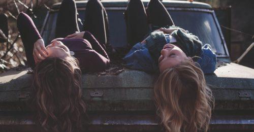 Így fognak alakulni a baráti kapcsolataid 2019-ben a horoszkópod szerint