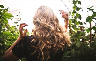 Lehet, hogy túl sokat mosod a hajad?