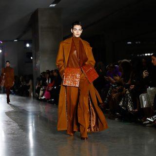 Glamúr és power dressing a Max Mara milánói show-ján