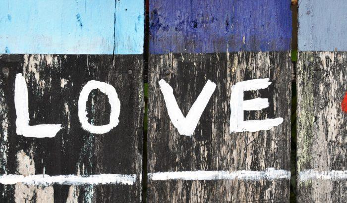 Miért nehéz kimondani, hogy szeretlek?