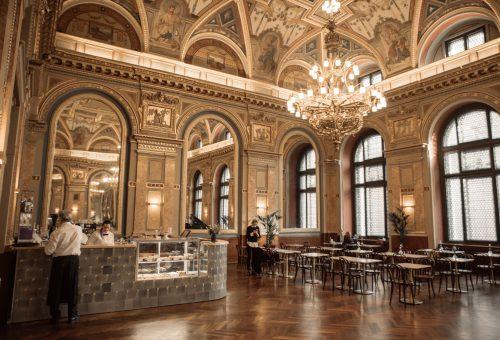 Kedvenc helyünk a héten: Café Parisi