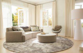 Idén te is íves kanapét akarsz majd a nappalidba