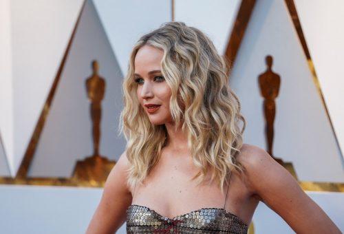 Méretes gyűrűvel jegyezték el Jennifer Lawrence-t