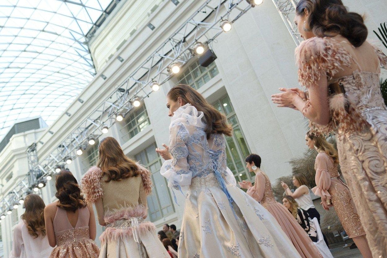 790fcc6572 Esküvő színes ruhában?   Marie Claire