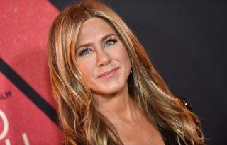 Jennifer Aniston betöltötte az ötvenet és békét kötött Brad Pittel