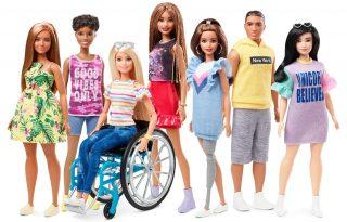 Barbie kerekesszéket és lábprotézist kap