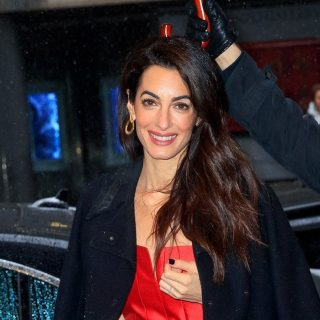 Nyolcezer dollárt fizetett Amal Clooney-ért egy joghallgató