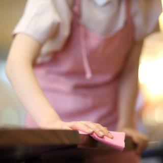 Családfenntartó és háziasszony – kinek jó ez?