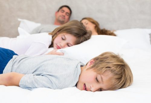Tudományosan igazolt: a szülők nem alszanak jól