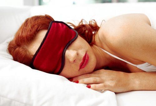 Maszkkal könnyebb lehet az alvás