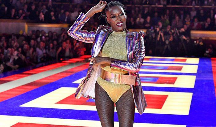 Grace Jones vadította a közönséget Tommy Hilfiger show-ján