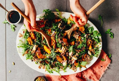 Sütőtökös saláta ropogós mogyoróhagymával
