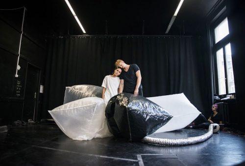 Rendhagyó színházi előadást rendezett Eke Angéla