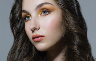 Hogyan használd a trendi színeket a sminkedben?