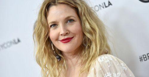 Drew Barrymore szemét bökte a tévé, inkább elrejtette
