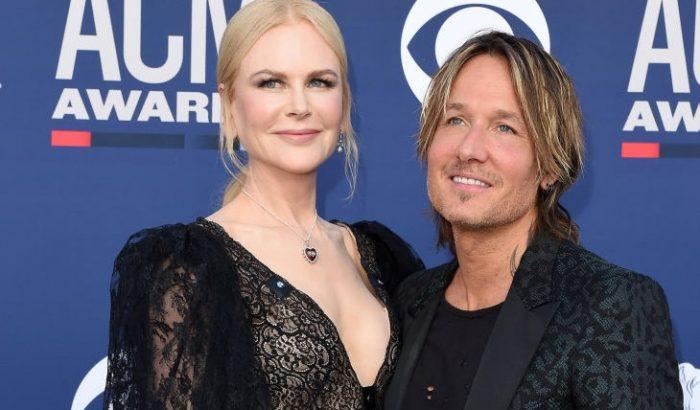 Nicole Kidman ruhája vitte a pálmát a Las Vegas-i díjátadón