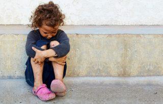 """""""Öt hónapig voltak távol, de mintha öt év lett volna"""" - igazságtalanul emelik ki a családból a szegény gyerekeket"""