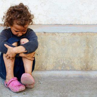 """""""Öt hónapig voltak távol, de mintha öt év lett volna"""" – igazságtalanul emelik ki a családból a szegény gyerekeket"""