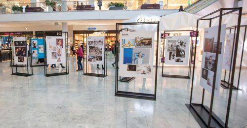 Az én szabadságom pályázat fotói egy kiállításon