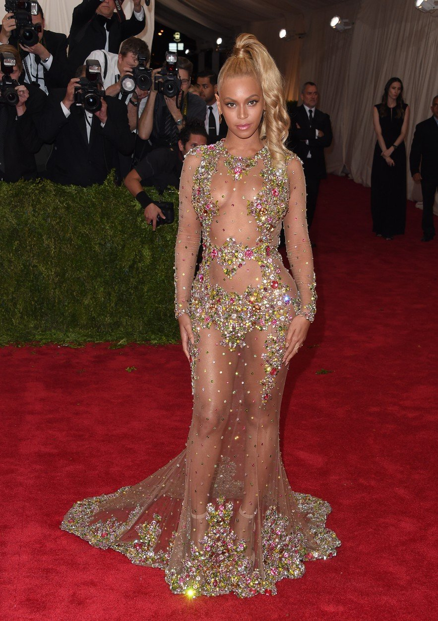 12. kép: Beyoncé Givenchy-ruhája mindent vitt a 2014-es MET-gálán