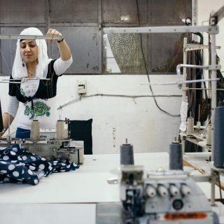 A ruhaiparban dolgozó nők fele munkahelyi szexuális zaklatás áldozata Vietnámban