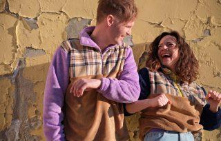 Vegyünk tervezői pulcsit és vele 10 éjszakára menedéket egy hajléktalannak