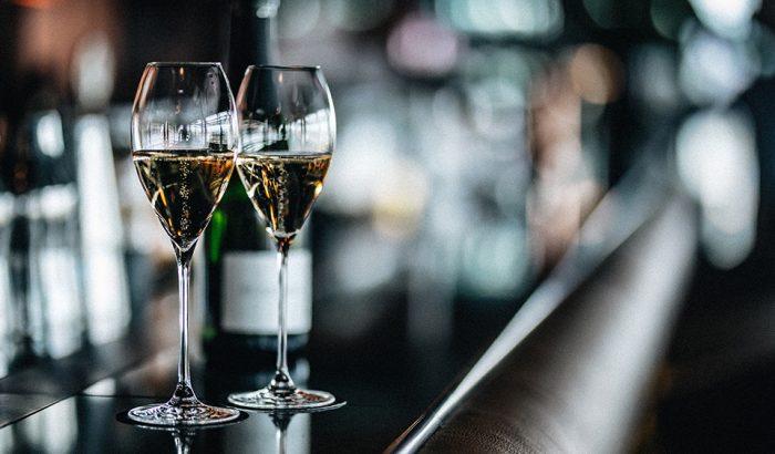 Budapest legkomolyabb tetőteraszán pezsgőzhetünk