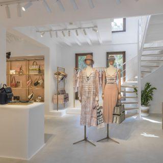 Míkonosz szigetén találjuk a Dior a legnyáribb kollekcióját, a Diorivierát