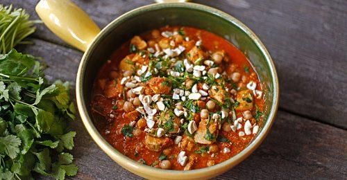 Isteni csirkés-csicseriborsós curry