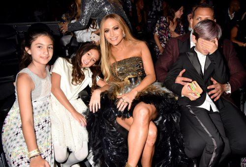 Jennifer Lopez lánya gyönyörűen énekel