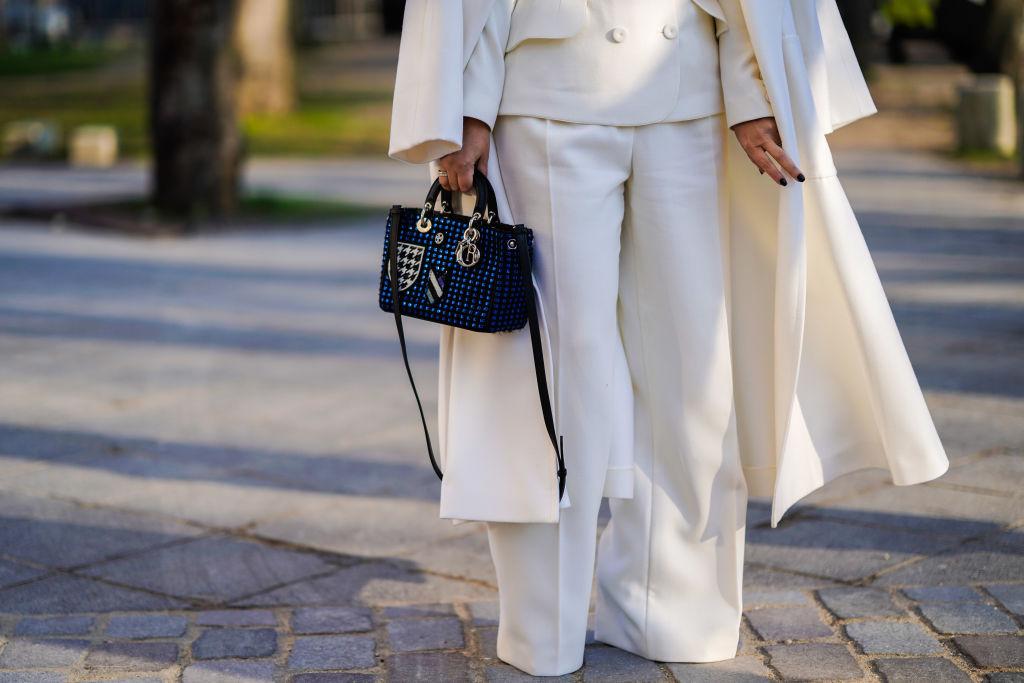 9. kép: A steppelt, D,I, O, R flityegőkkel dekorált Dior táskának egészen 1995 szeptemberéig nem volt neve - amíg Diana hercegné világhírűvé nem tette.