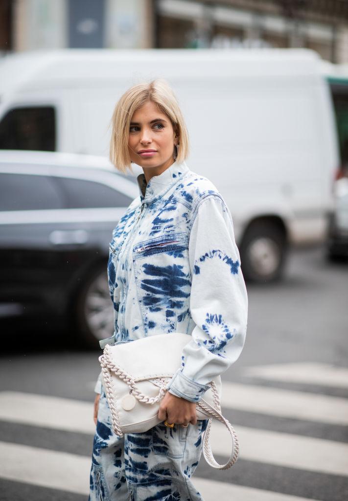 10. kép: Az egyik modern ikonikus táska Stella McCartney Falabellája, amely a láncos széléről ismerhető fel: 2010-ben debütált és azóta számtalan színben, fazonban készítették