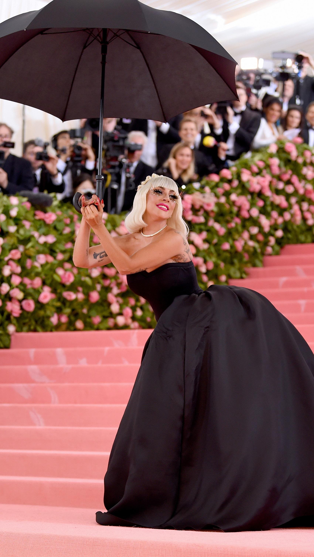 6. kép: Lady Gaga következő outfitje