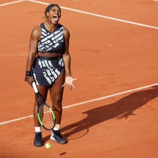 Serena Williams különleges Off-White öltözéket viselt a French Openen