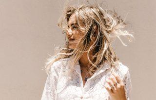 Vágyak VS valóság – profi fodrásztippek a tavaszi szőküléshez