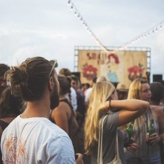 A Tinder új funkcióval jön a fesztiválszezonra