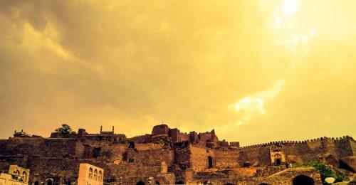 9 elvarázsolt kastély a világ körül