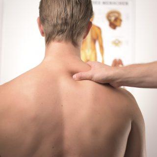 Sztrókot okozhat a nyakropogtatás