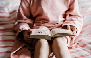 Miért olvastatják a gyerekek századszor is ugyanazt a mesét?