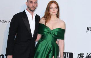 Gyönyörű Daalarna ruhában jelent meg Mihalik Enikő Cannes-ban