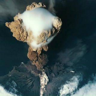 500 millió ember él az időzített bombák lábánál