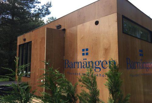 Álomházat épített a magyar erdőben egy szépségmárka