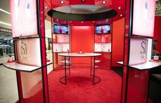 Új Giorgio Armani szépségstand nyitott a MOM Parkban
