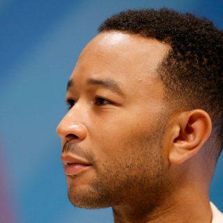 John Legend szupermodell feleségétől veszi szépségtrükkjeit