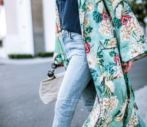 Nappal véd a napsugarak ellen, este tökéletes kiegészítő a kimonóköntös