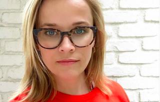Reese Witherspoon long bobot vágatott nyárra