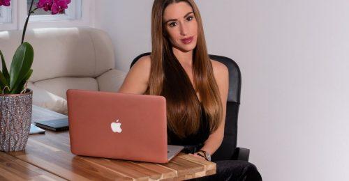 A munkám a szenvedélyem: Szerencsés Dóra közgazdász