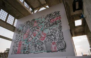 Ezt a hatalmas torinói graffitit drónok festették
