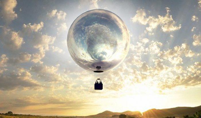 Elképesztő tükörfelszínű hőlégballont reptet Doug Aitken