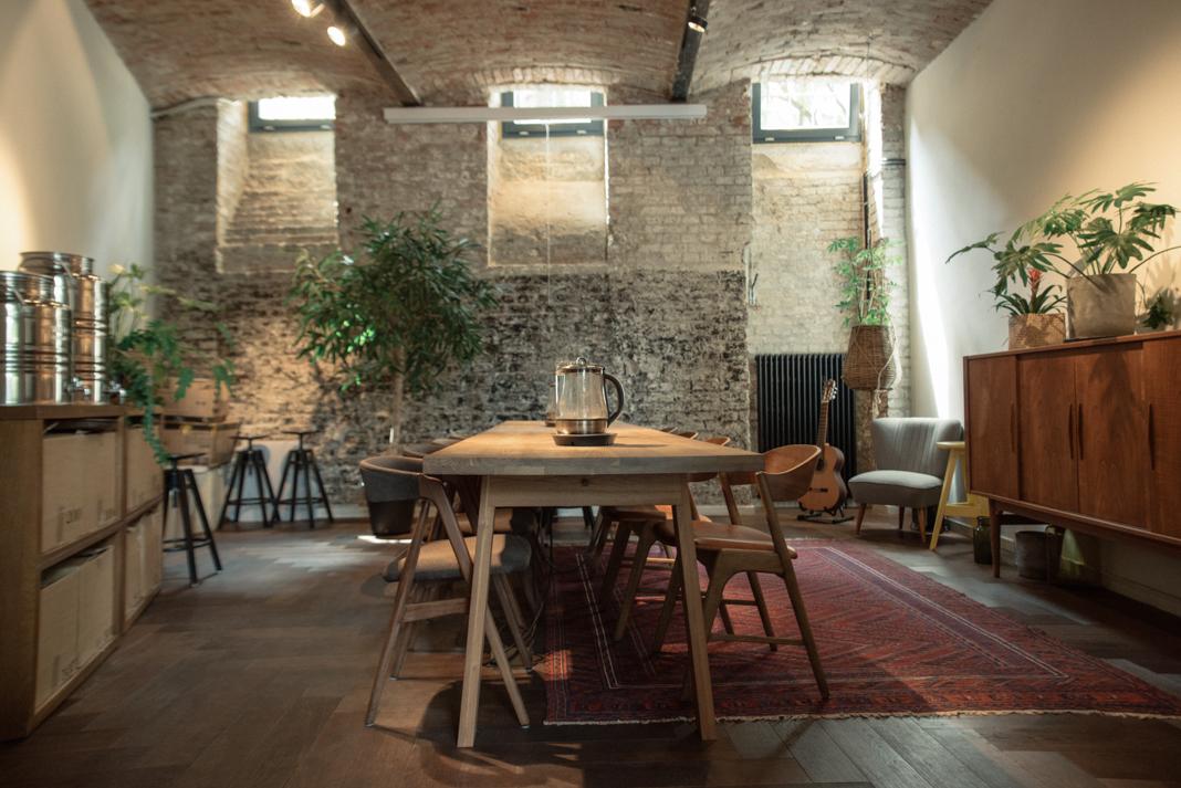 """2. kép: a workshopokra kialakított """"teaszoba"""""""